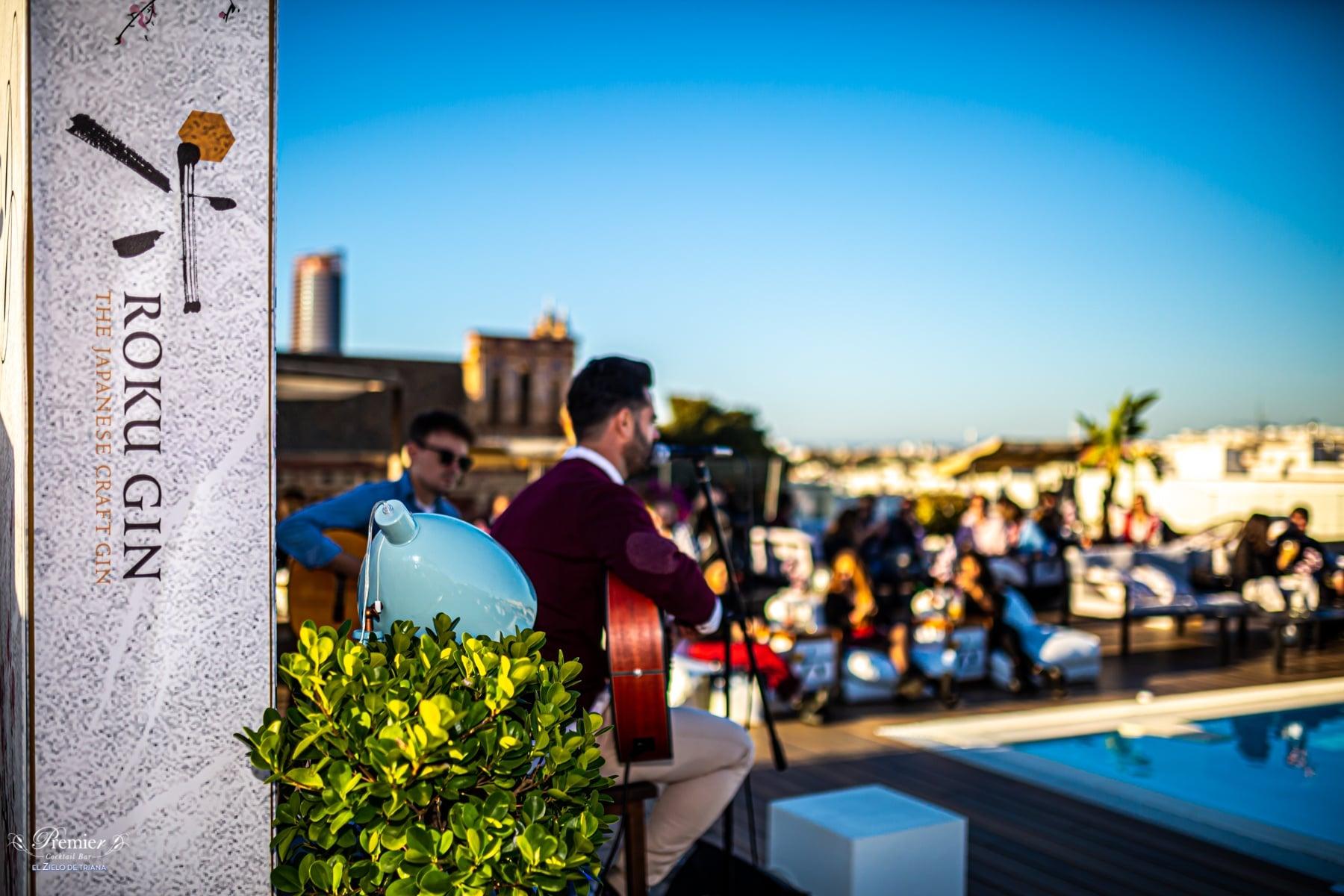 Terraza con música en directo en Sevilla